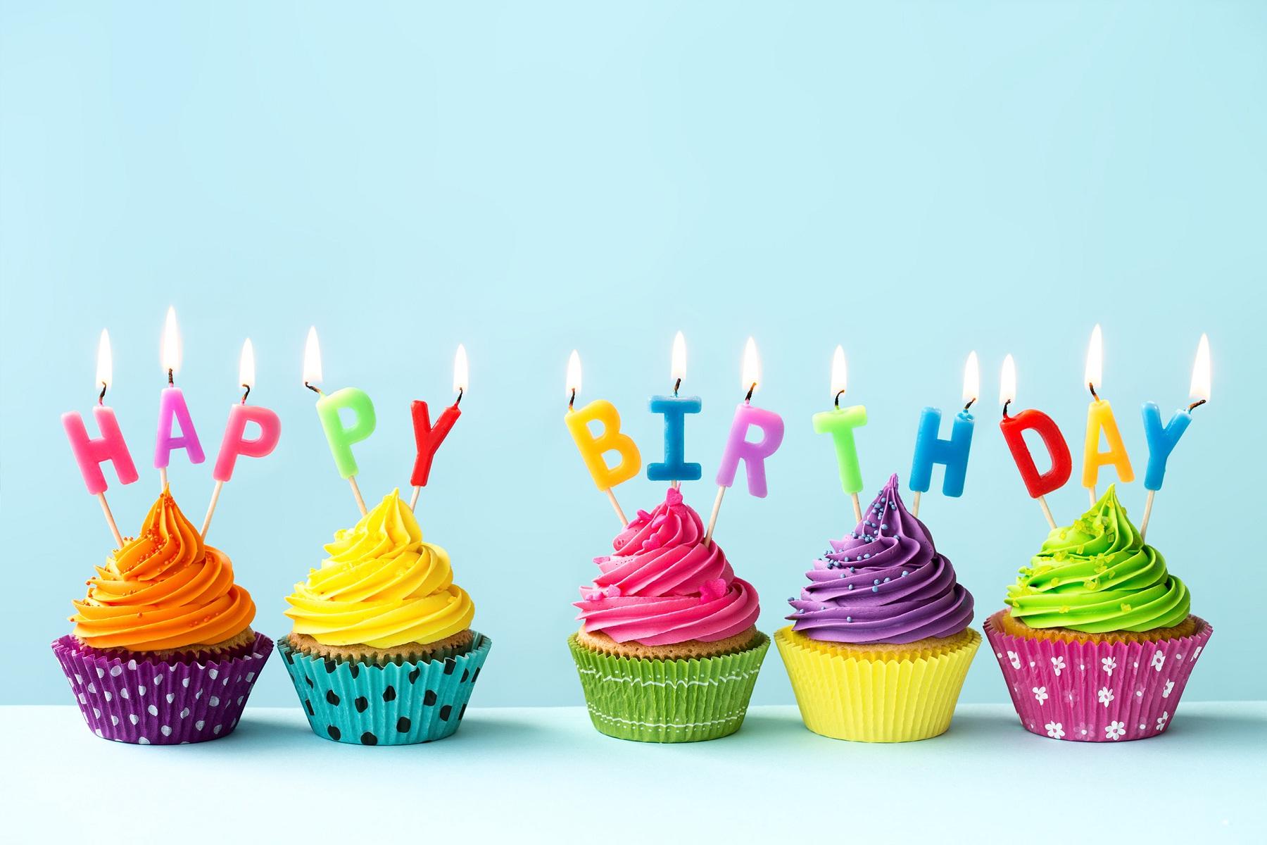 Happy-Birthday-Cupcakes